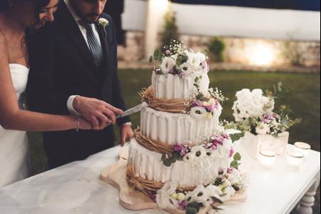 25 torte nuziali a tre piani perfette per ogni stagione dell'anno
