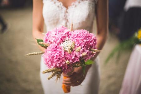 Bouquet da sposa estivo: 6 fiori da scegliere in questa stagione