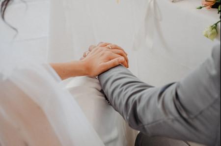 Nozze rinviate a causa del coronavirus? Matrimonio.com ti guida nella gestione dei preparativi