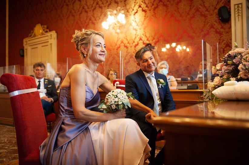 sposi durante rito in comune