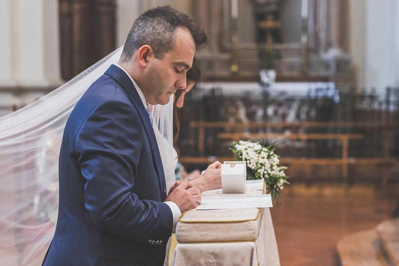 sposi durante il rito religioso