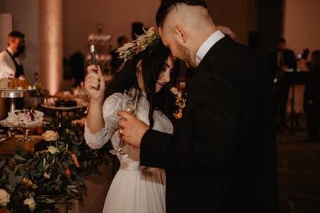 Playlist di musica indie: 50 brani da suonare al vostro matrimonio!
