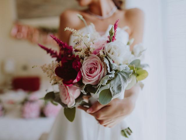 Bouquet da sposa estivo: 12 combinazioni esclusive