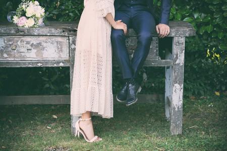 Abiti da sposa midi: outfit nuziale con stile e bon ton