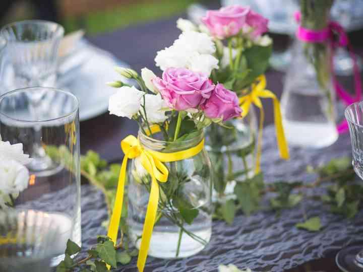 L'arte di abbinare i colori: nozze in rosa, giallo e bianco