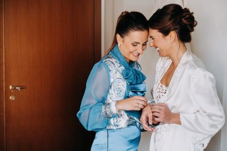 Cosa deve fare la mamma della sposa? La lista definitiva in 10 punti