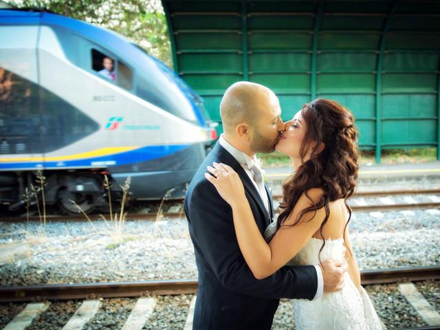 Viaggio di nozze in treno: quando l'amore corre sulle rotaie