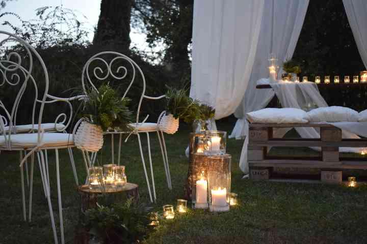 allestimento matrimonio serale con pallette