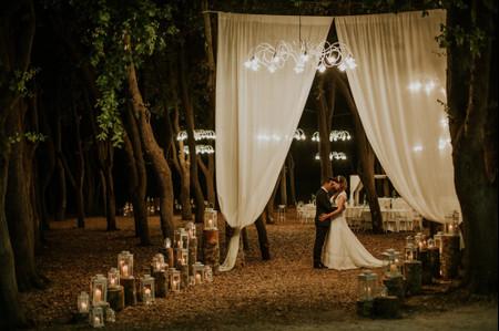 20 modi per decorare il vostro matrimonio coi lampadari