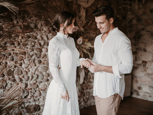 Anelli di fidanzamento senza diamanti: 7 brillanti proposte a cui dire Sì