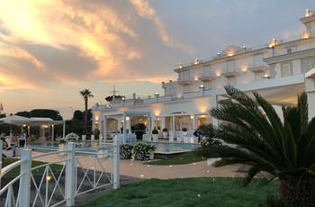 Matrimonio in terrazza con vista mare: come organizzare il perfetto evento all'aperto