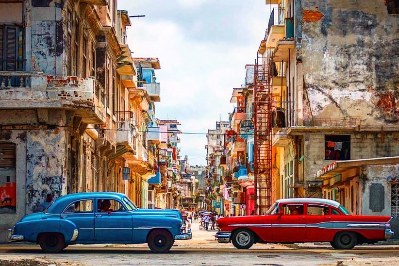 due macchine a Cuba
