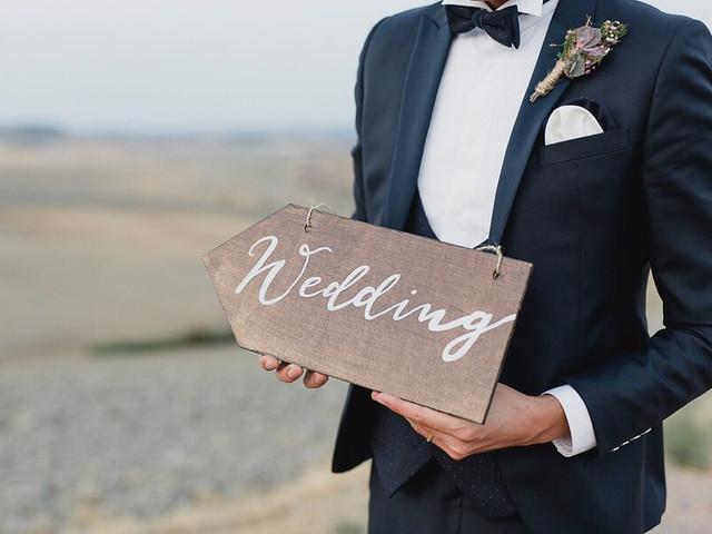 Come scegliere il vestito da sposo in base al luogo e all'ora della cerimonia