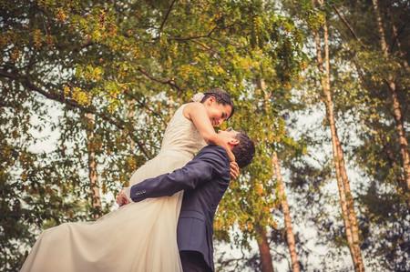 Portare in braccio la sposa sulla soglia di casa: le origini della tradizione!