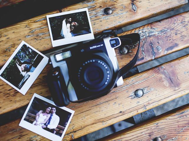 Decorazioni di nozze con macchine fotografiche: dal vintage al digitale, ecco come usarle!