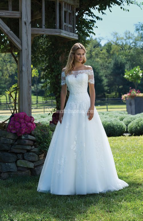 3989, Sincerity Bridal