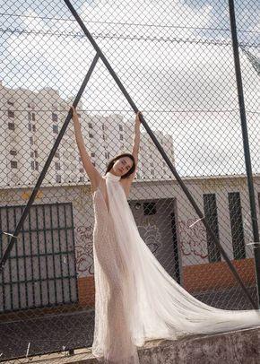 LM 010, Liz Martinez