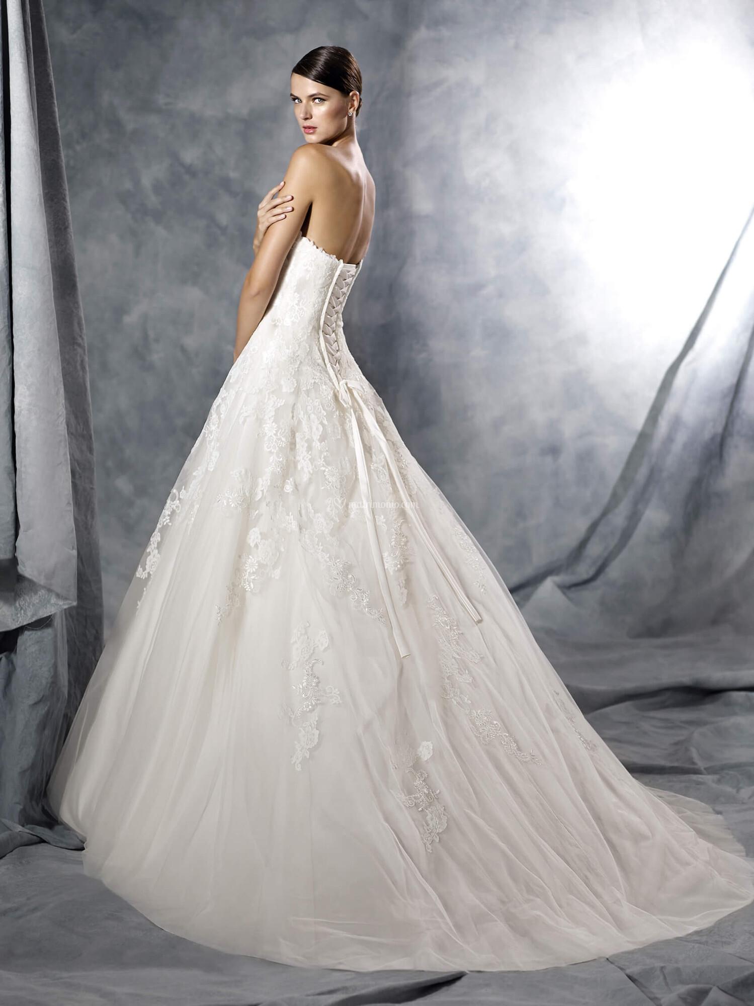 c3a931b3d3fe Abiti da Sposa di White One - JASMINE - Matrimonio.com