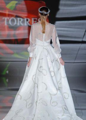 AT_33, Ana Torres