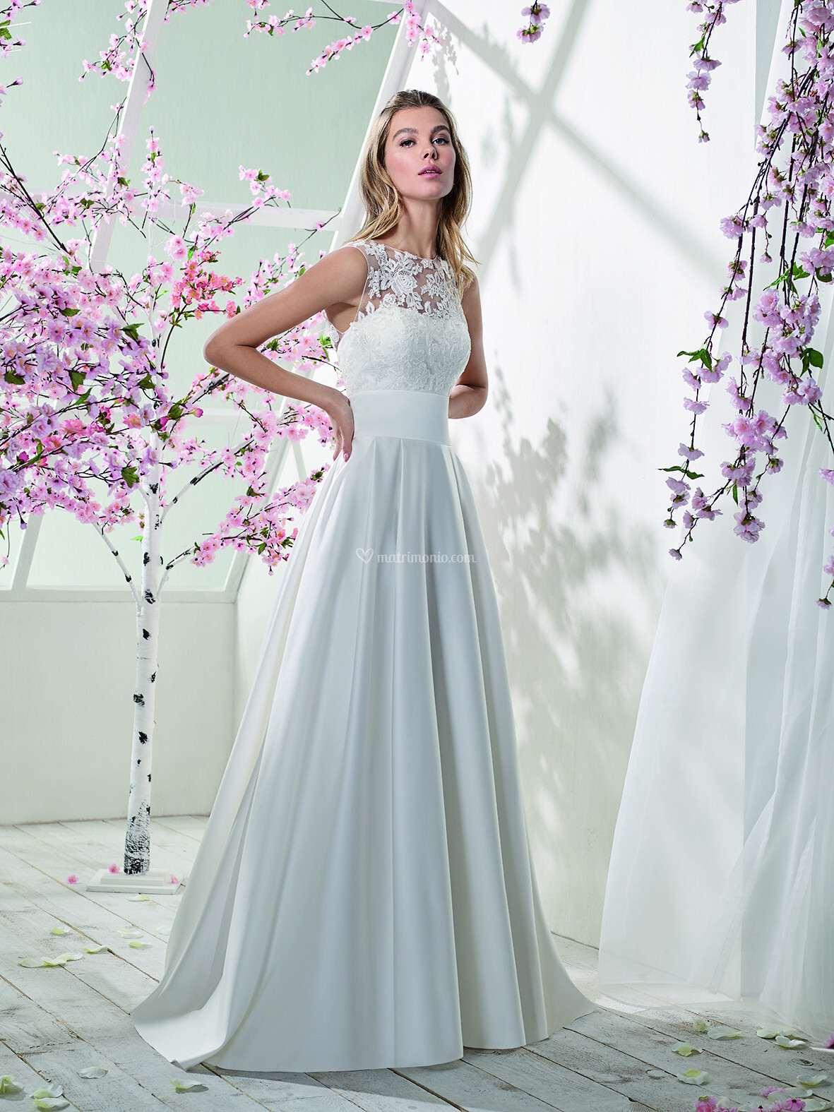Vestiti Da Sposa For You.Abiti Da Sposa Di Just For You By The Sposa Group Italia Jfy 195