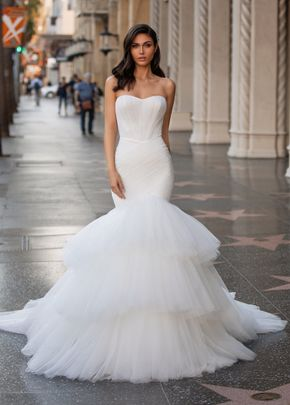 ESTHER, Pronovias