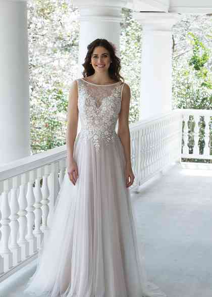 3945, Sincerity Bridal
