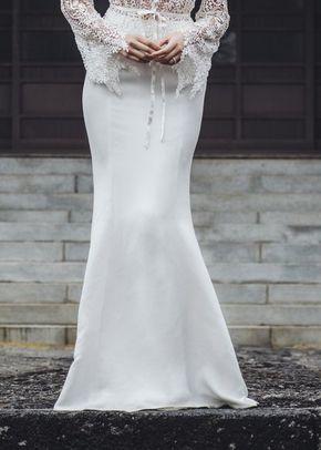 Les Skirt, Catherine Deane