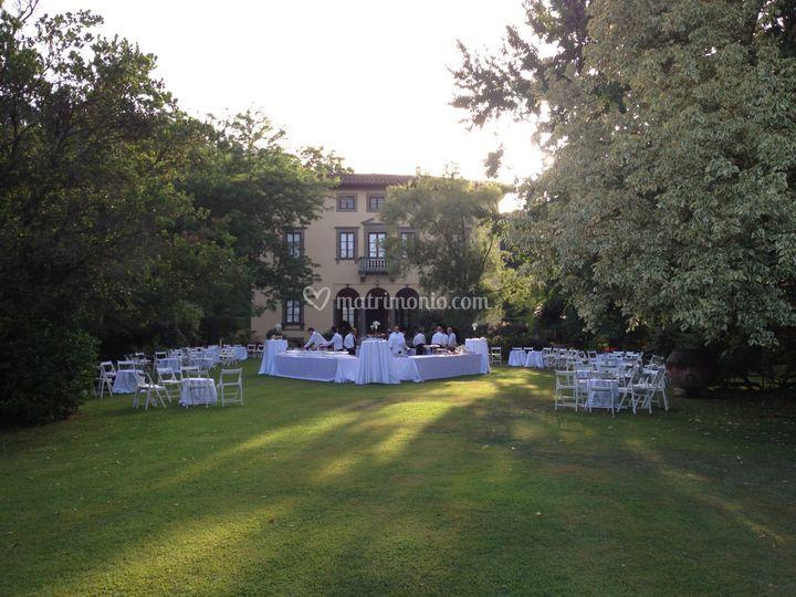 Aperitivo giardino romantico