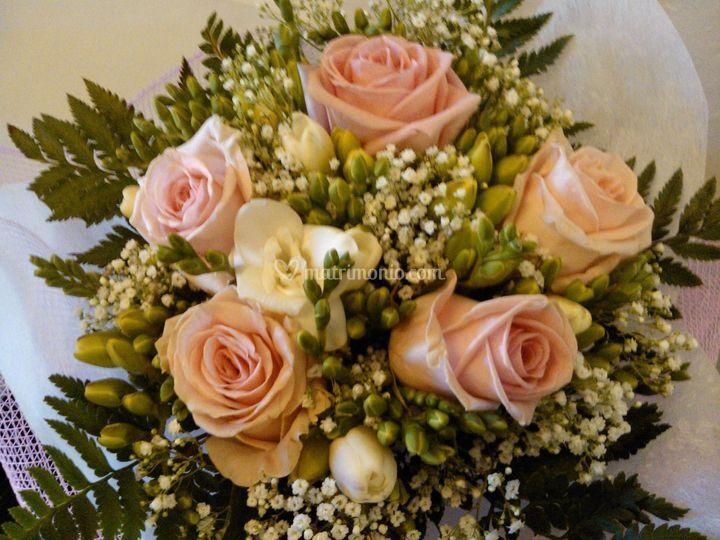 Bouquet rose rosa e fresie