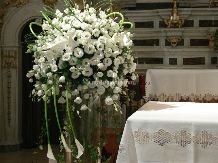 Matrimonio Spiaggia Pesaro : Allestimento floreale chiesa di pazza idea foto