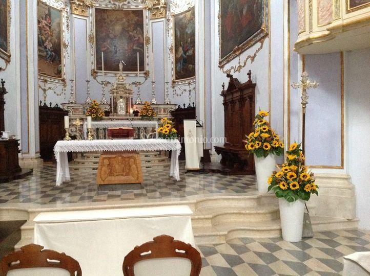 Fiori Chiesa Matrimonio Girasoli : Chiesa con girasoli di i fiori di luigi foto