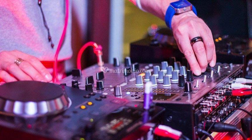 DJ - djset