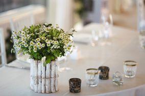 Denny Jo' - Flower, Planning & Wedding Designer