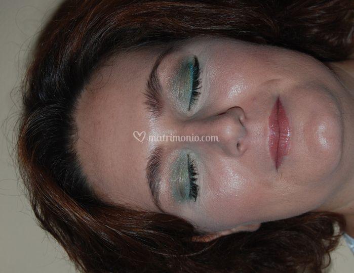 Trucco toni verde turchese