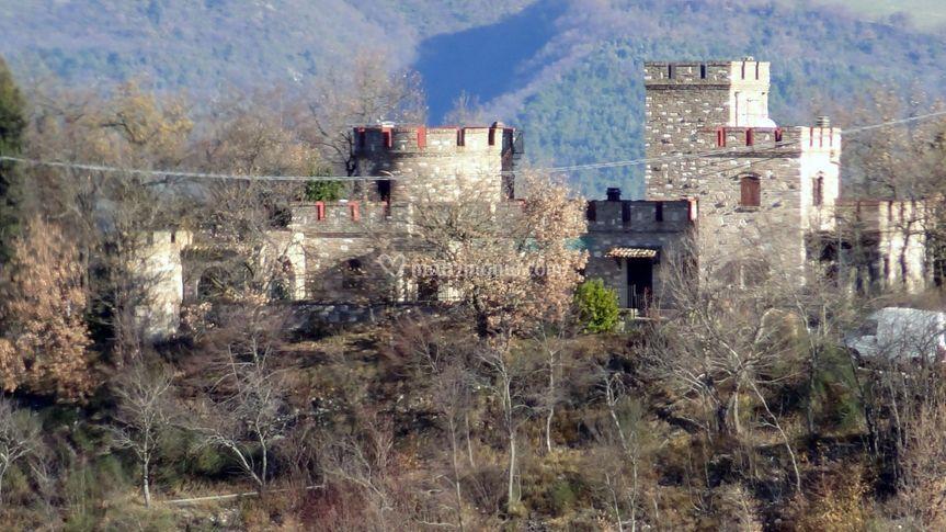 Vista su Castello Serra Alta