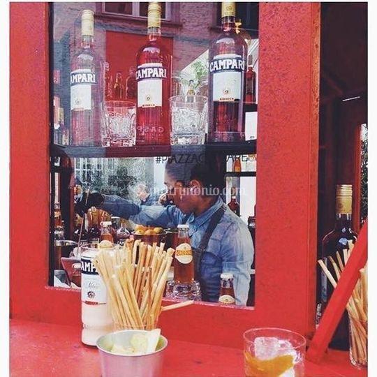 Barman Campari