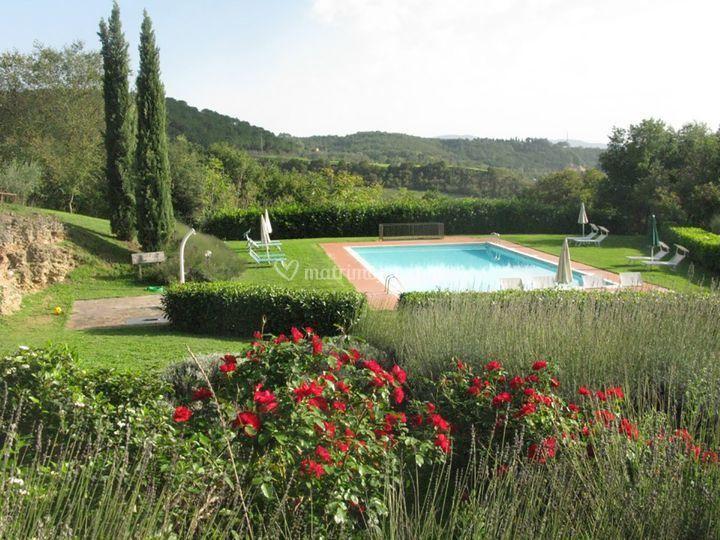 La piscina di antico borgo san lorenzo foto 20 - Piscina borgo san lorenzo ...