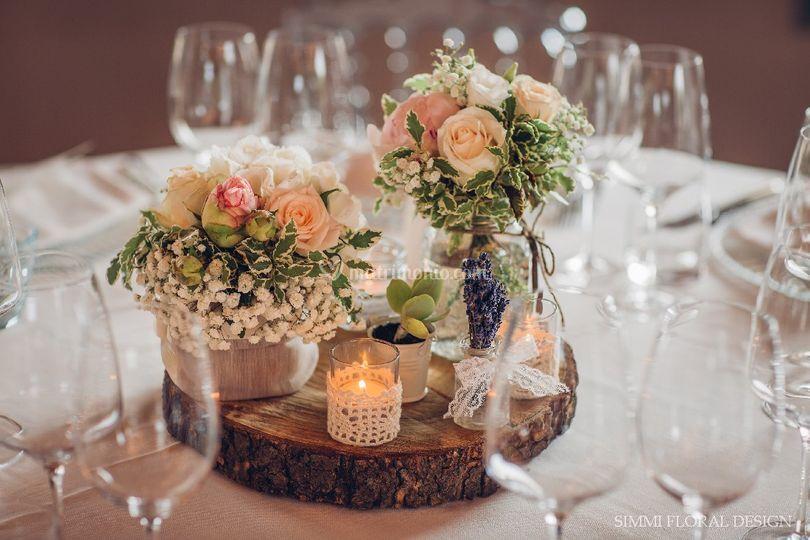 Matrimonio Country Chic Settembre : Centrotavola shabby chic di simmi floral designer foto