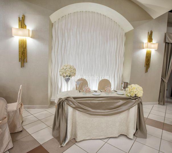 Sala interna - tavolo sposi