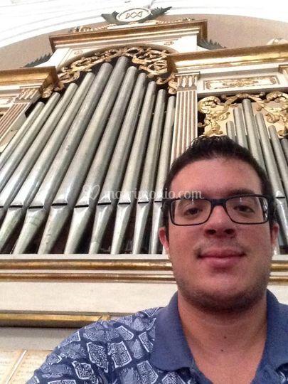 Organo e organista.