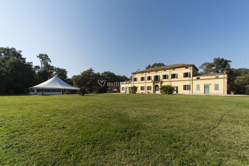 Villa e Tensostruttura