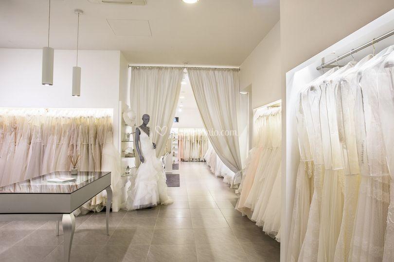 Interni atelier reparto sposa