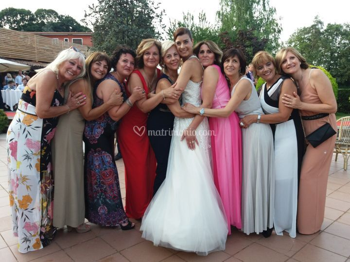 Sposa e invitate donne