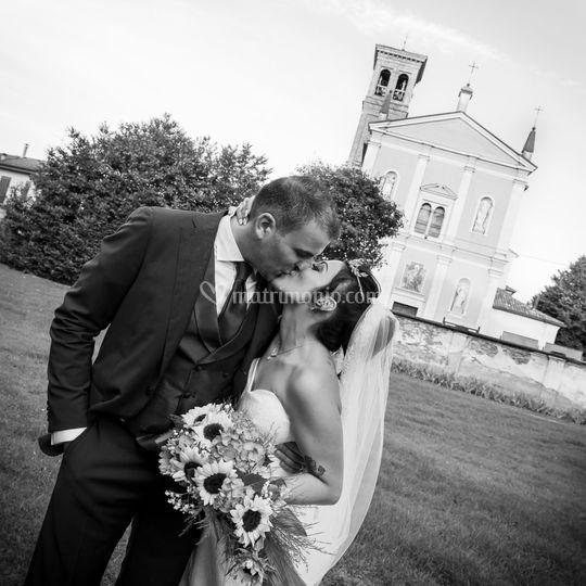 Uscita chiesa e bacio