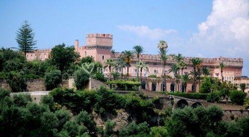 Castello in costiera