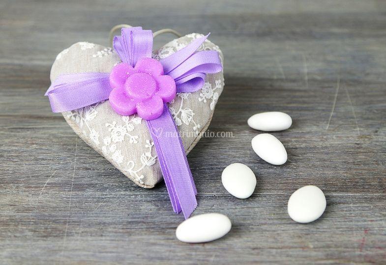 Sacchettino cuore porta confei