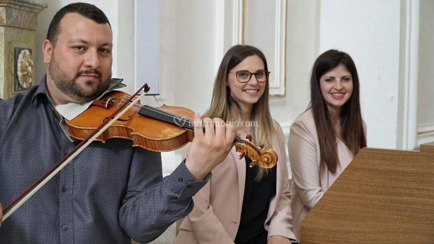 Trio In...canto