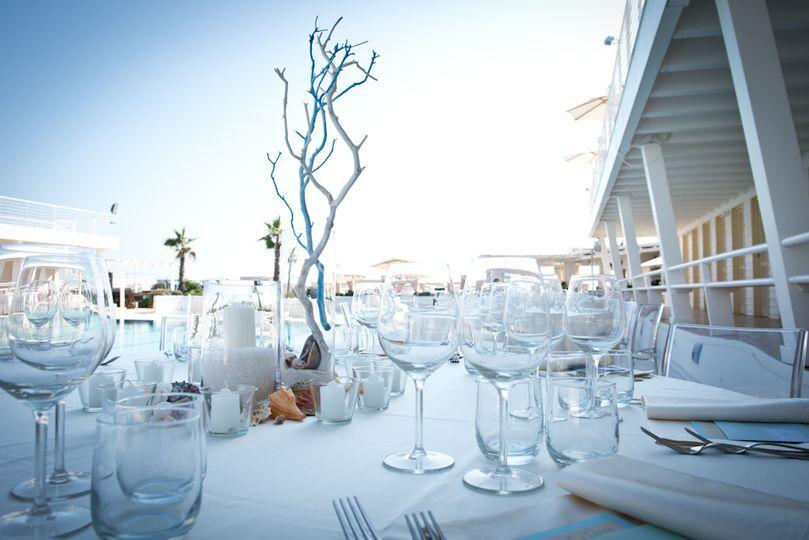 Allestimento bordo piscina di tuscany event style foto for Addobbi piscina per matrimonio