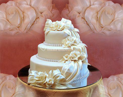 Torte da cerimonia eleganti di Pasticceria Dolce Tiffany