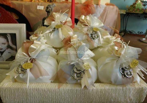 Eleganti sacchettini portaconfetti